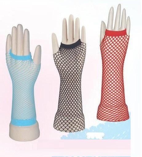 Перчатки в эротическом магазине